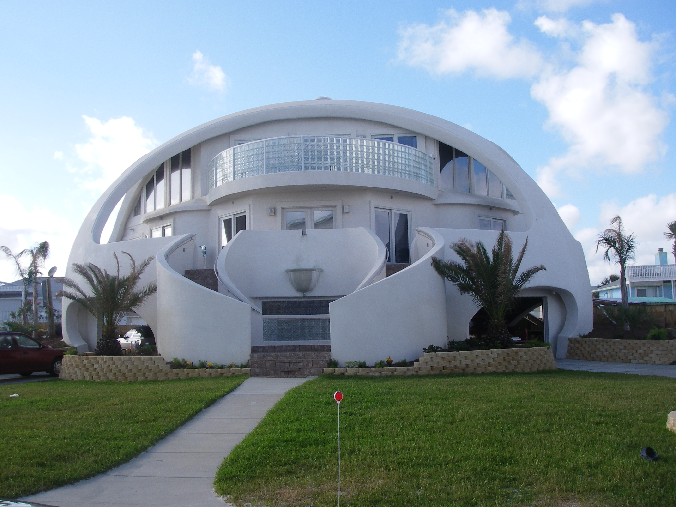 12 unusual homes from around the world home highlight for Best house design for hurricanes
